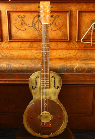Parlor Resonator